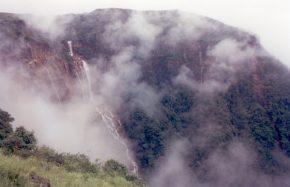 Nohkalikai Falls(8)