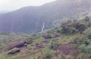 Nohkalikai Falls(12)