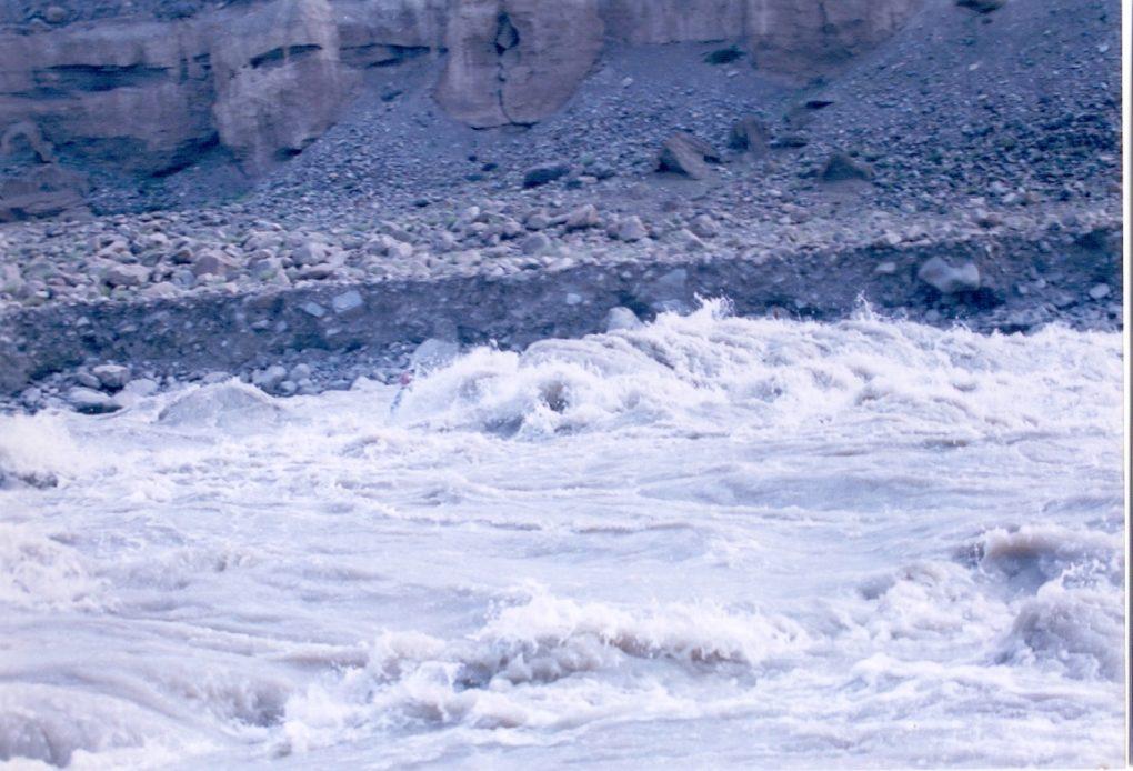 river in ladakh
