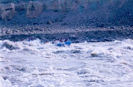 river rafting trip(2)