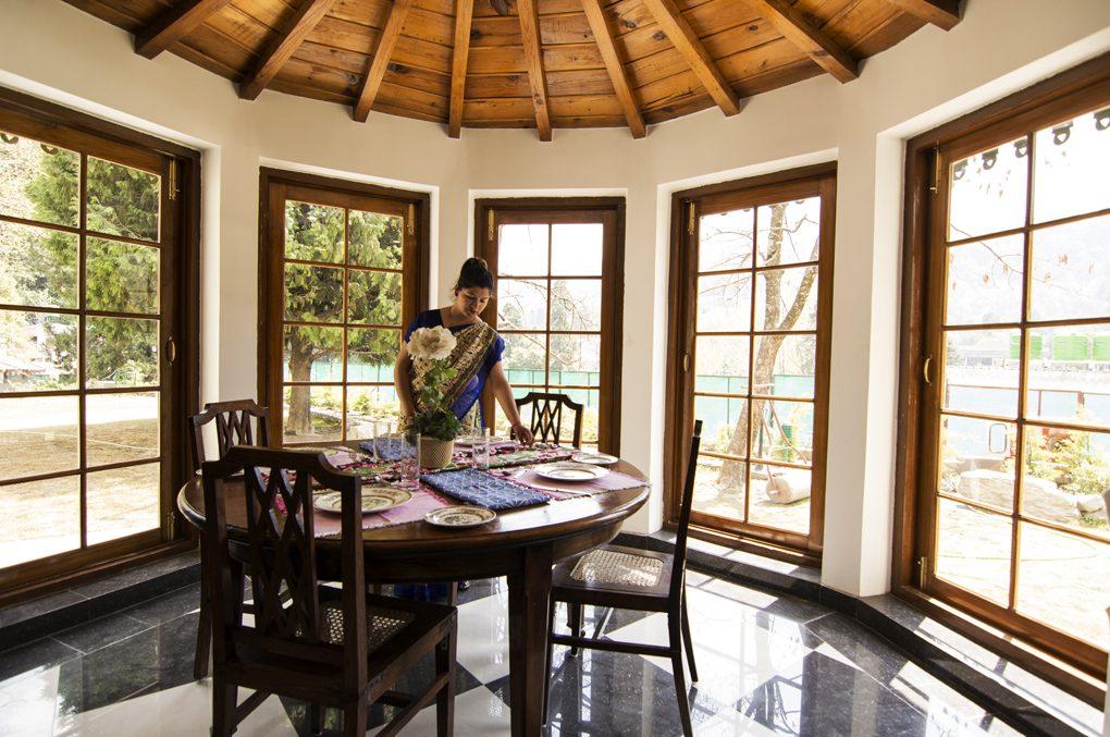 Restaurant Ashdal Resort Nainital