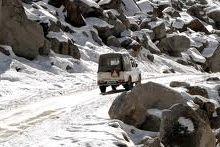 ladakh-jeep_safaris_manali
